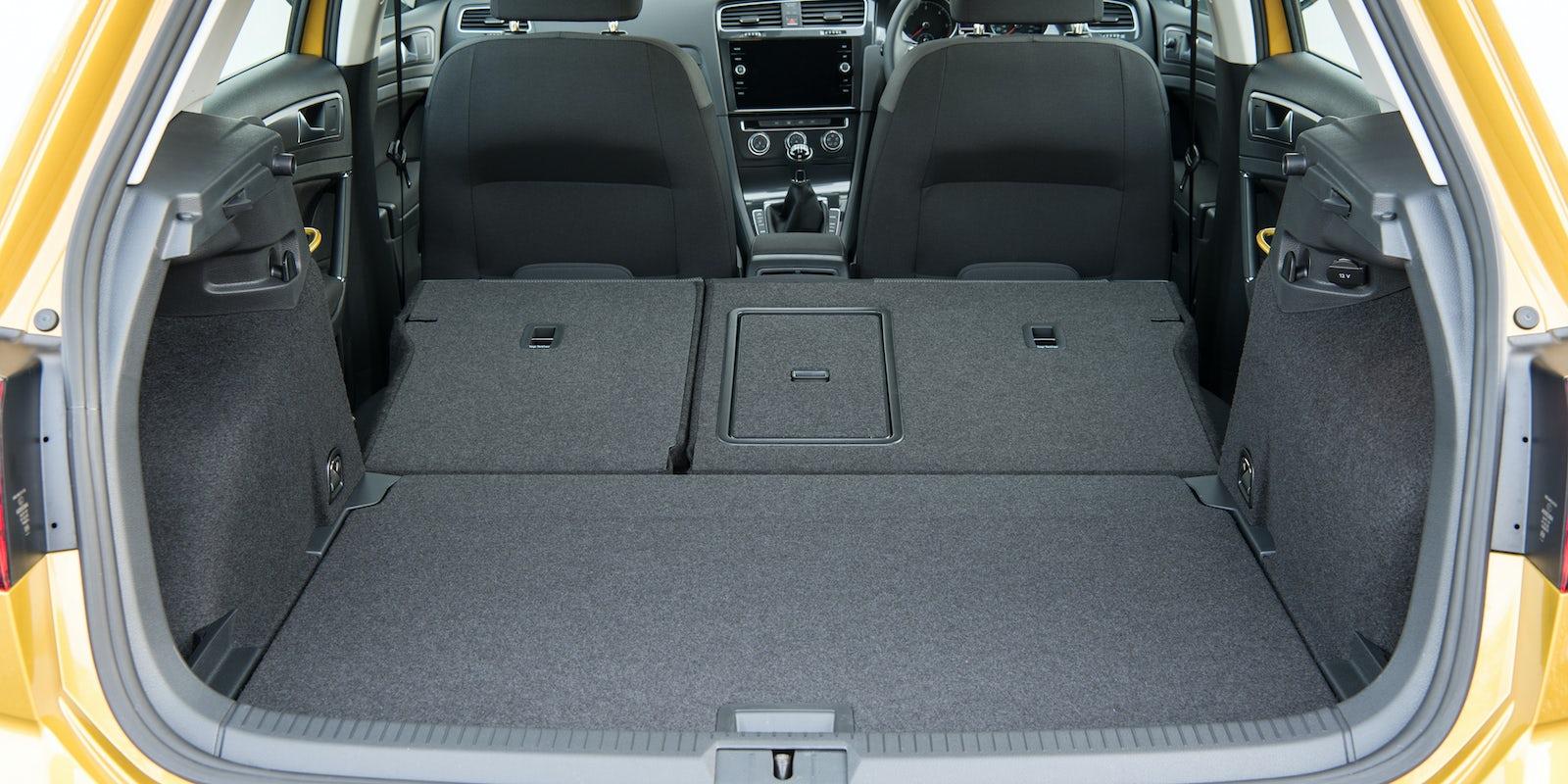 volkswagen golf review carwow. Black Bedroom Furniture Sets. Home Design Ideas