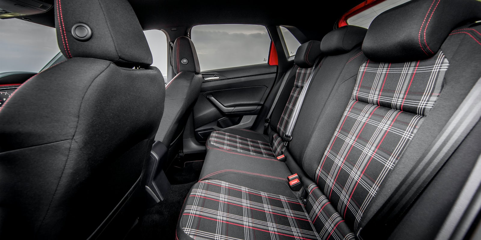 volkswagen polo gti 2018 boot space dimensions carwow. Black Bedroom Furniture Sets. Home Design Ideas