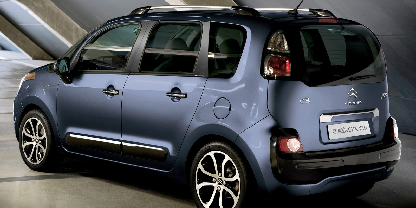 citroen c3 picasso interior and infotainment carwow. Black Bedroom Furniture Sets. Home Design Ideas
