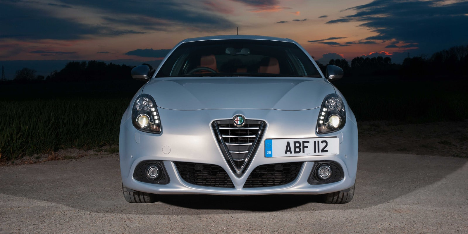 alfa romeo giulietta review carwow. Black Bedroom Furniture Sets. Home Design Ideas