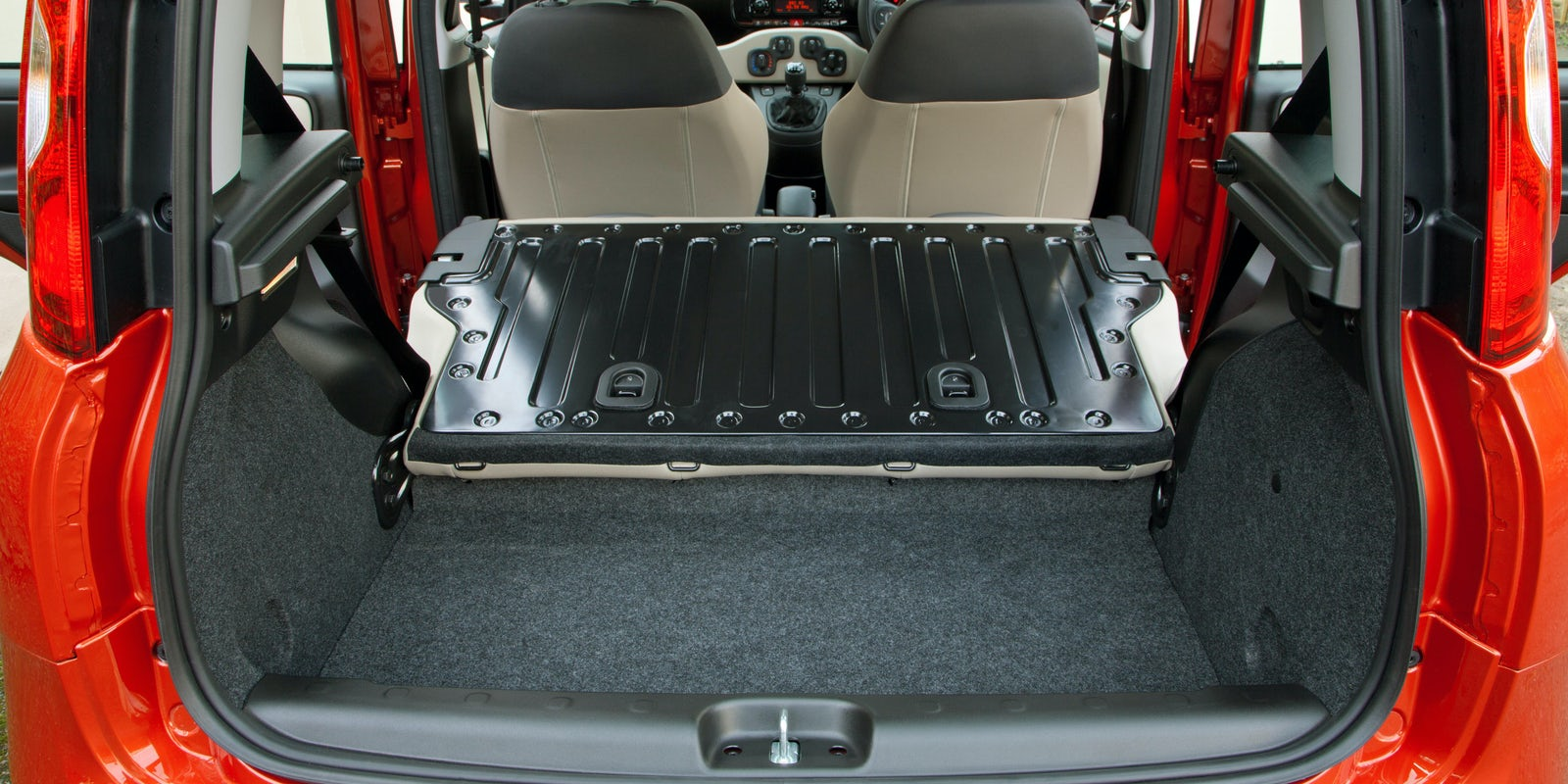 Fiat Panda interior and infotainment | carwow