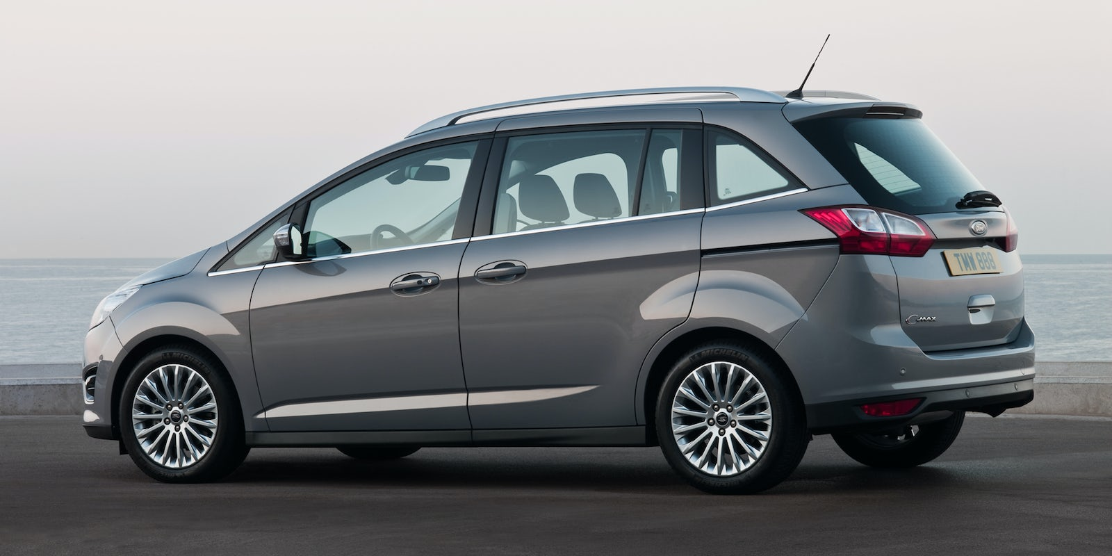 Ford Grand C Max Review Carwow