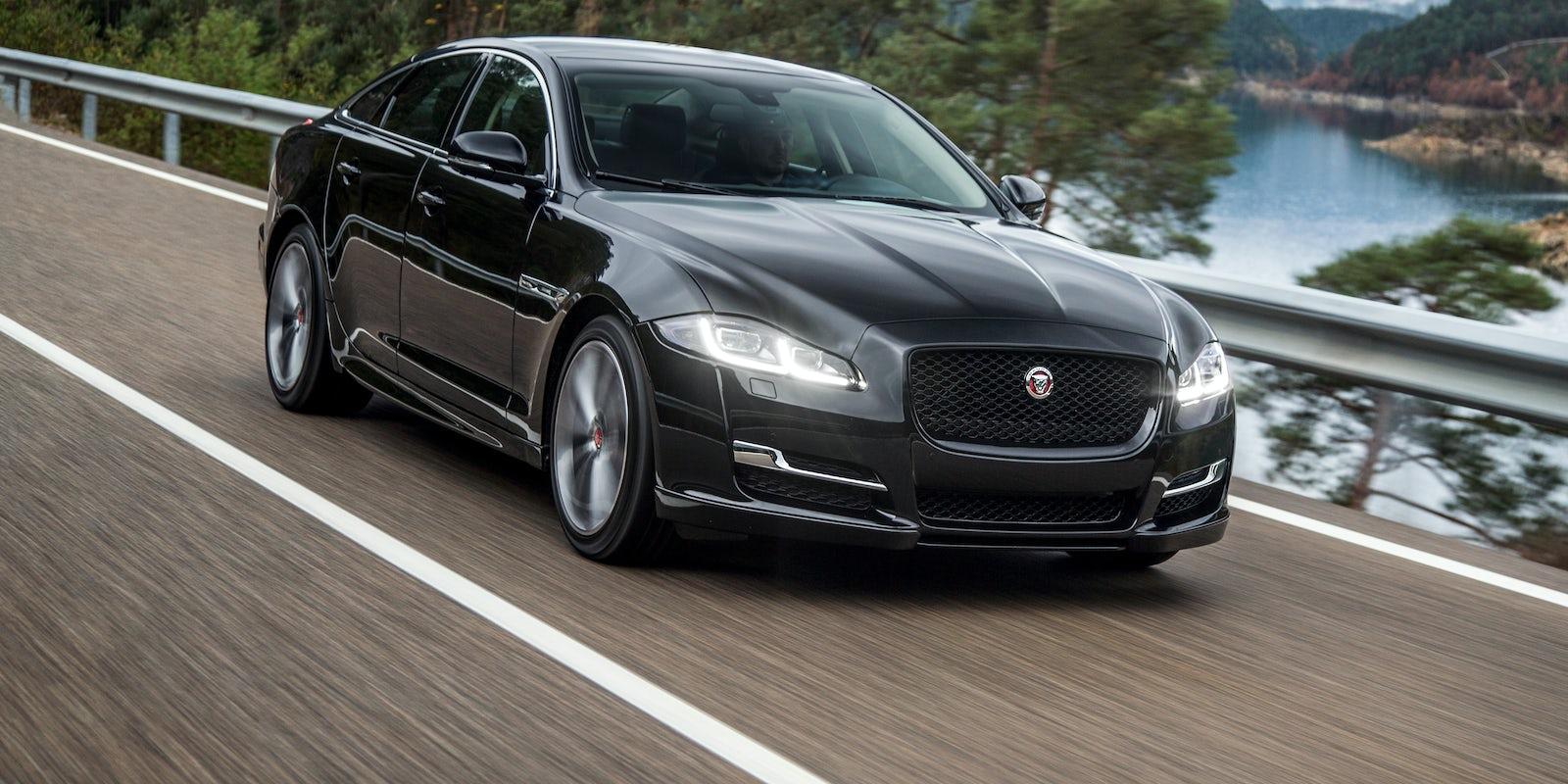 Jaguar XJ Review | carwow