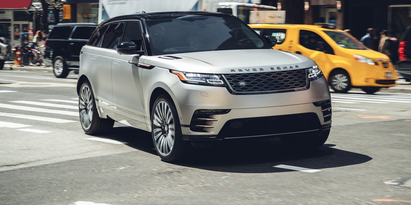 land rover range rover velar review carwow. Black Bedroom Furniture Sets. Home Design Ideas