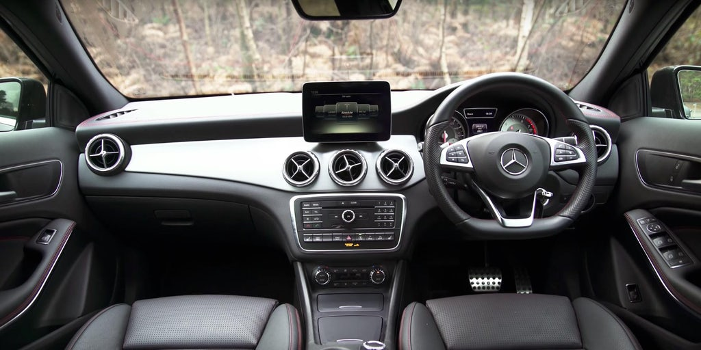 Mercedes Gla Interior And Infotainment Carwow