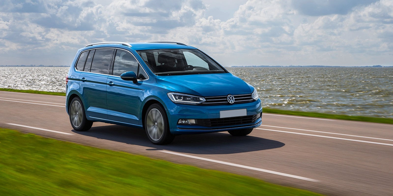 volkswagen touran specifications carwow. Black Bedroom Furniture Sets. Home Design Ideas