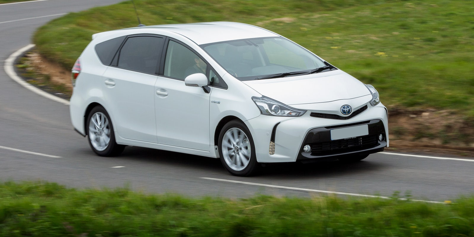 New Toyota Prius >> Toyota Prius+ Review | carwow