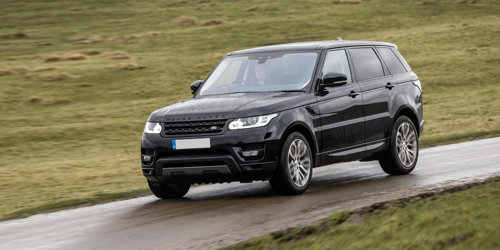 land rover range rover sport specifications carwow. Black Bedroom Furniture Sets. Home Design Ideas