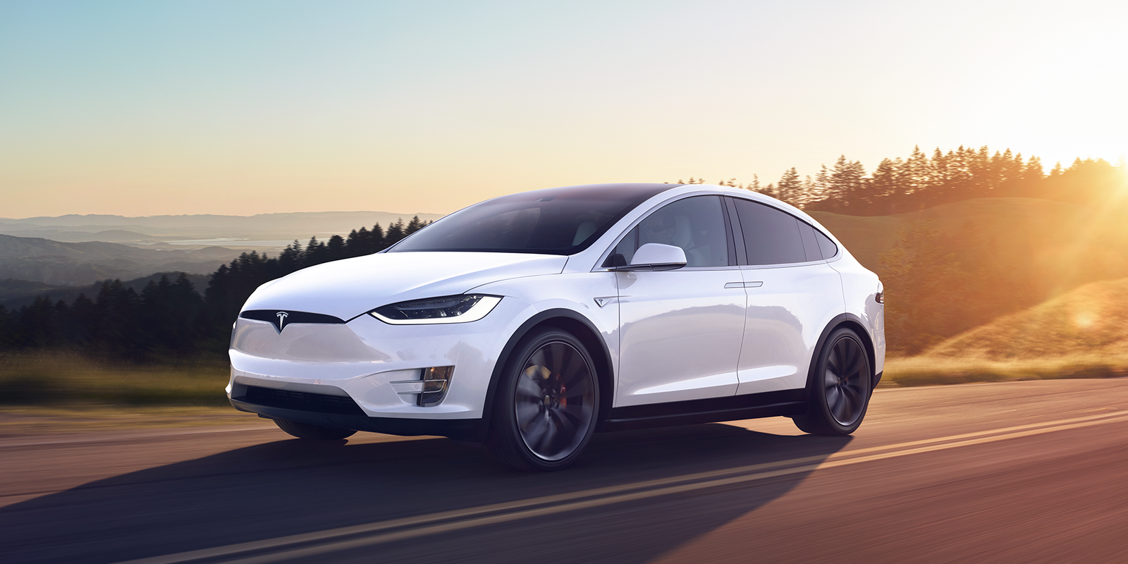 tesla model x review carwow. Black Bedroom Furniture Sets. Home Design Ideas