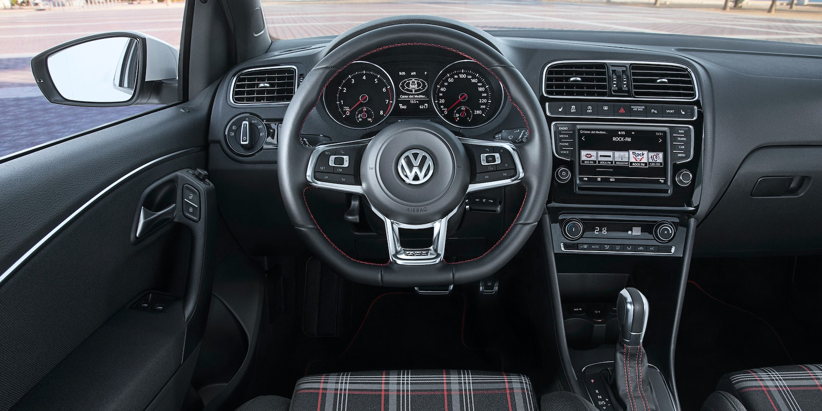 volkswagen polo gti review carwow. Black Bedroom Furniture Sets. Home Design Ideas