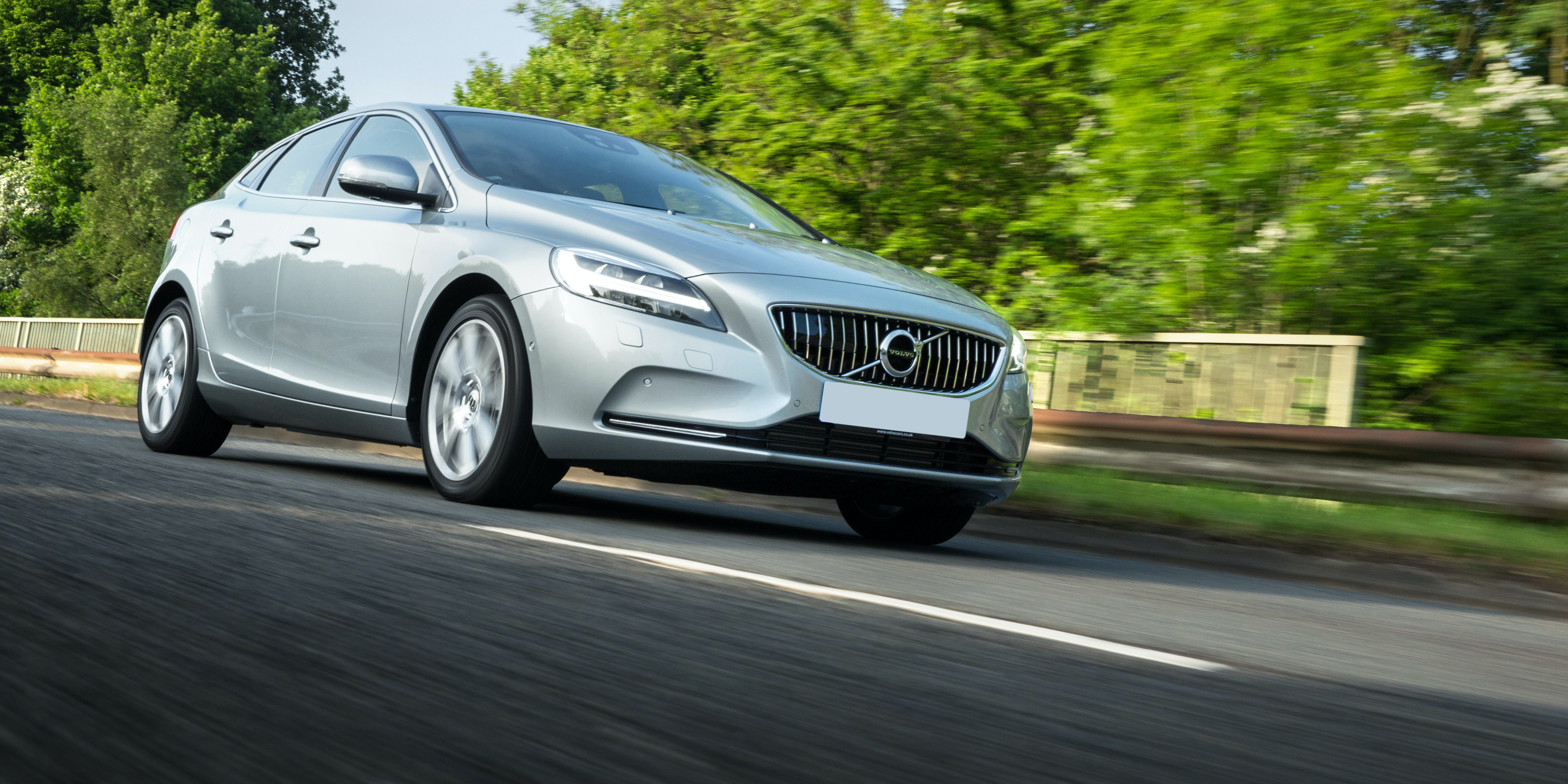 Volvo V40 Cross Country Review Carwow Autos Post