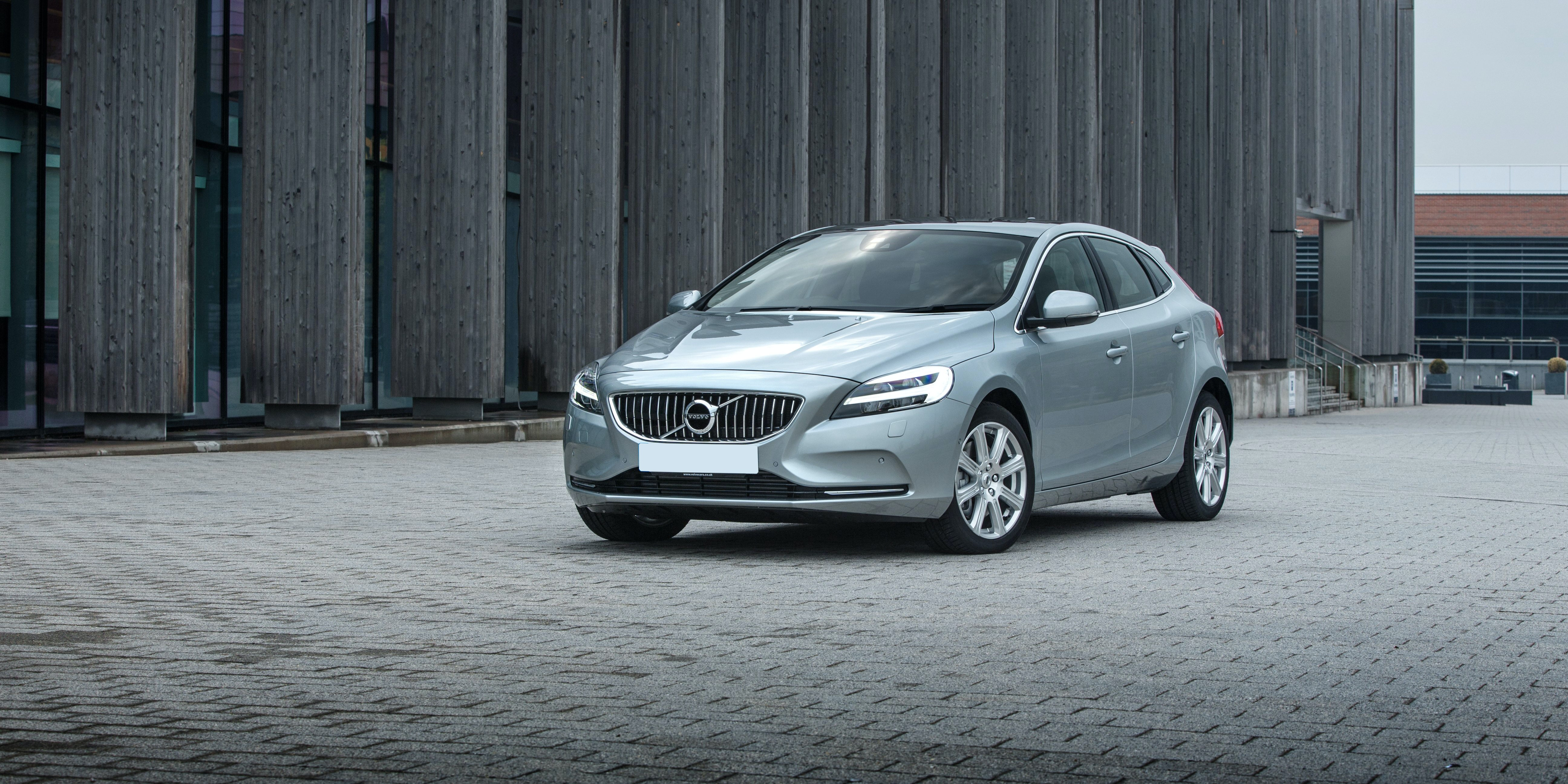 New Volvo V40 Review | carwow