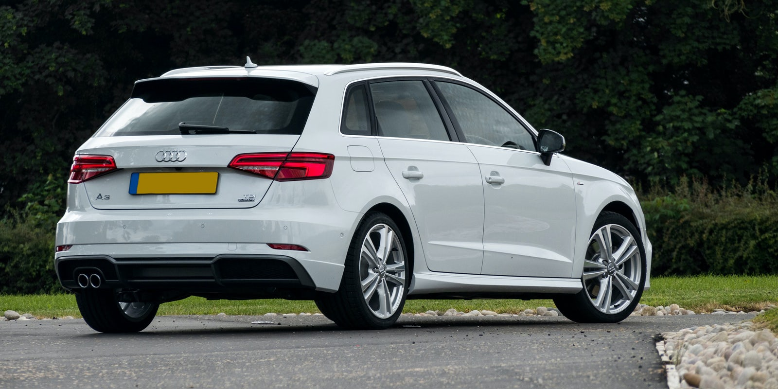 Audi A Sportback Review Carwow - Audi a3 sport