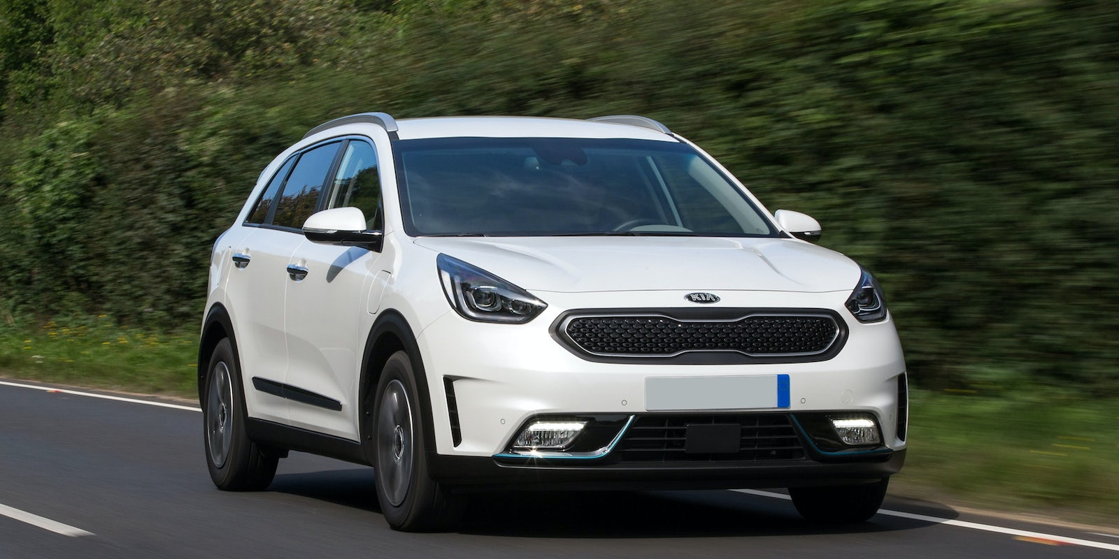 new kia niro plug in hybrid review carwow. Black Bedroom Furniture Sets. Home Design Ideas