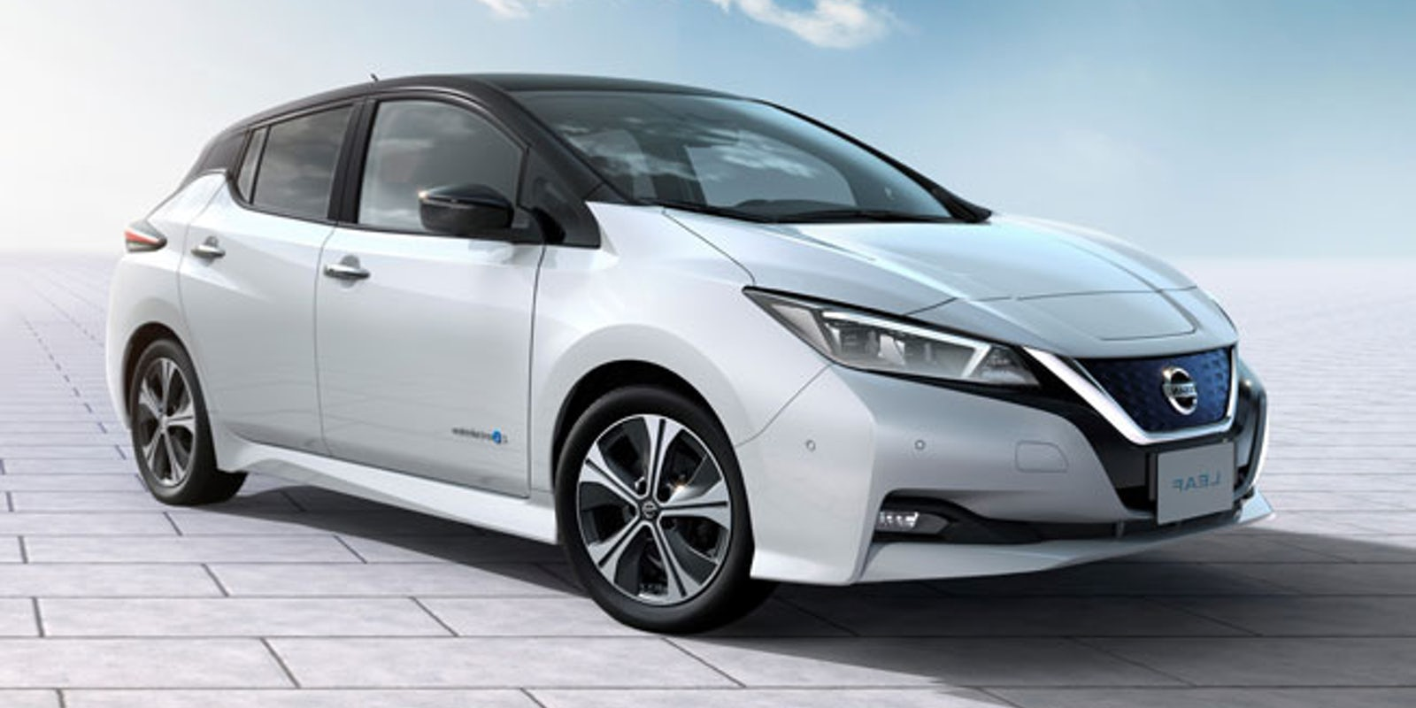 nissan leaf review carwow