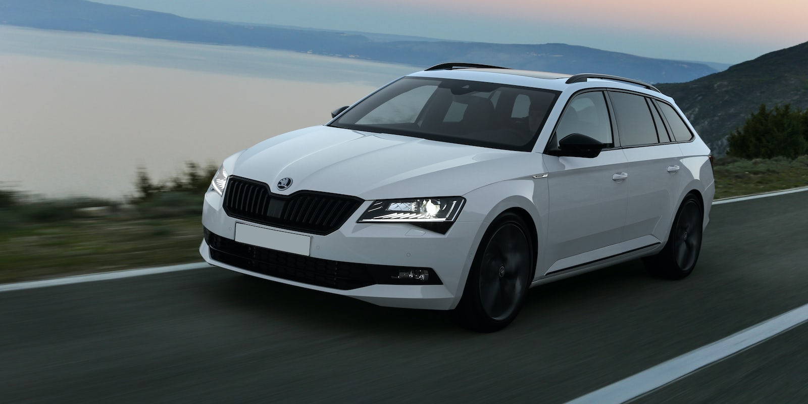 Skoda superb estate 1 4 tsi review autocar - 11 15