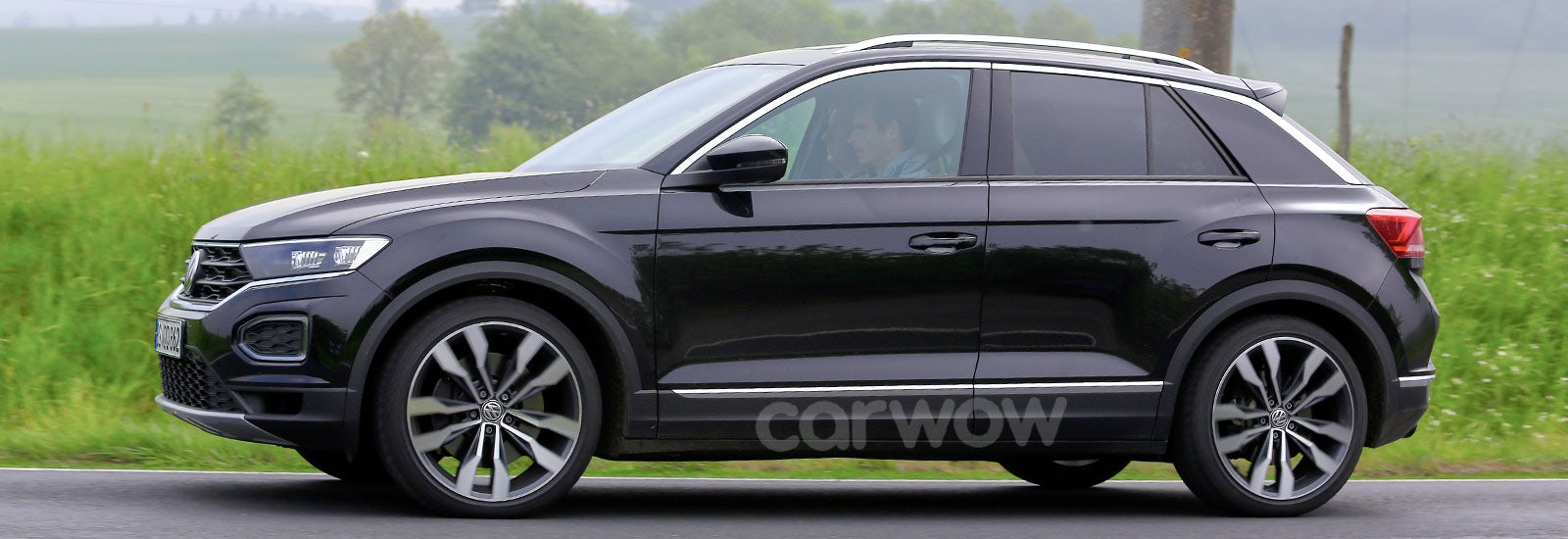 2018 vw t roc r price specs release date carwow. Black Bedroom Furniture Sets. Home Design Ideas